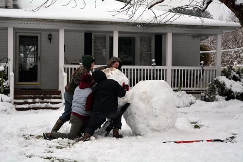 build a giant snowman