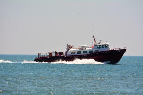 loud obx boat