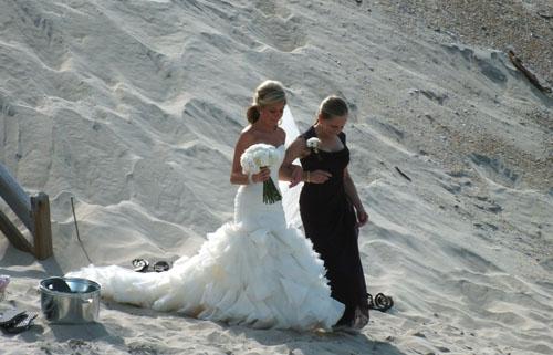mom walks bride
